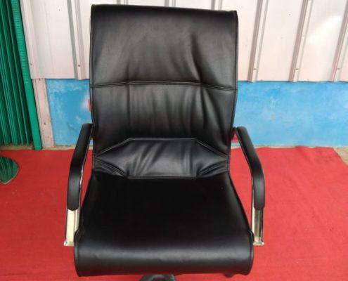 Sewa kursi kantor Tangerang Selatan
